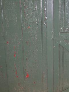 Shed_peeling_paint1