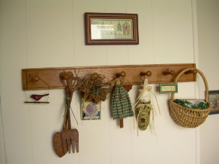 Mudroom_peg_rack1